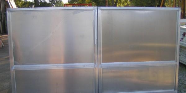 Portail aluminium 2 vantaux .